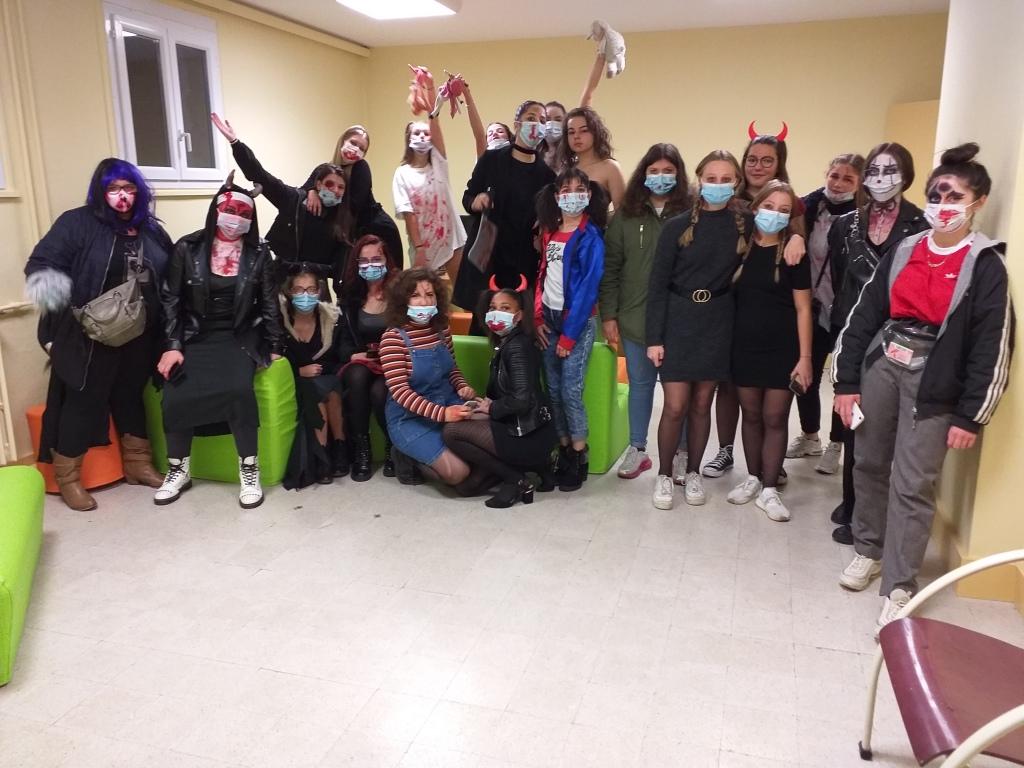 Photo de groupe d'Halloween. Par Amandine.